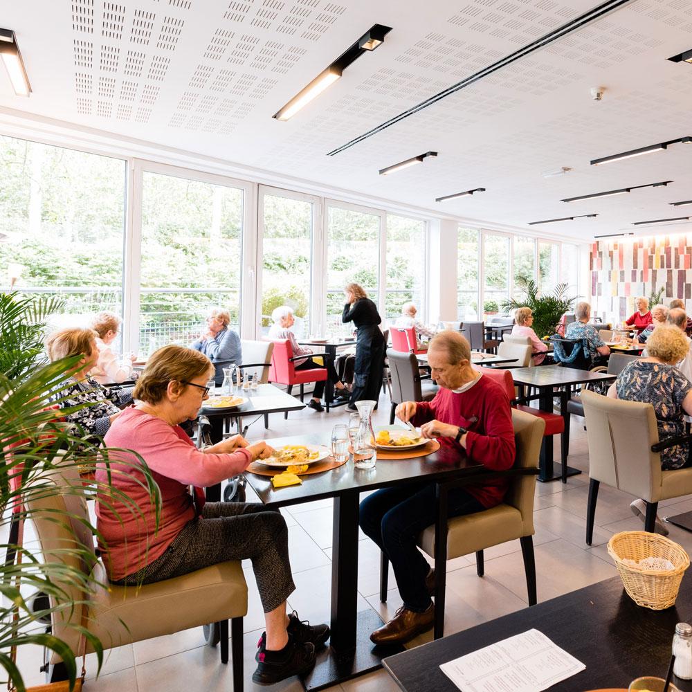 Salle de repas à la Brasserie Accordage
